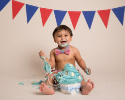 fun baby photo shoot with cake