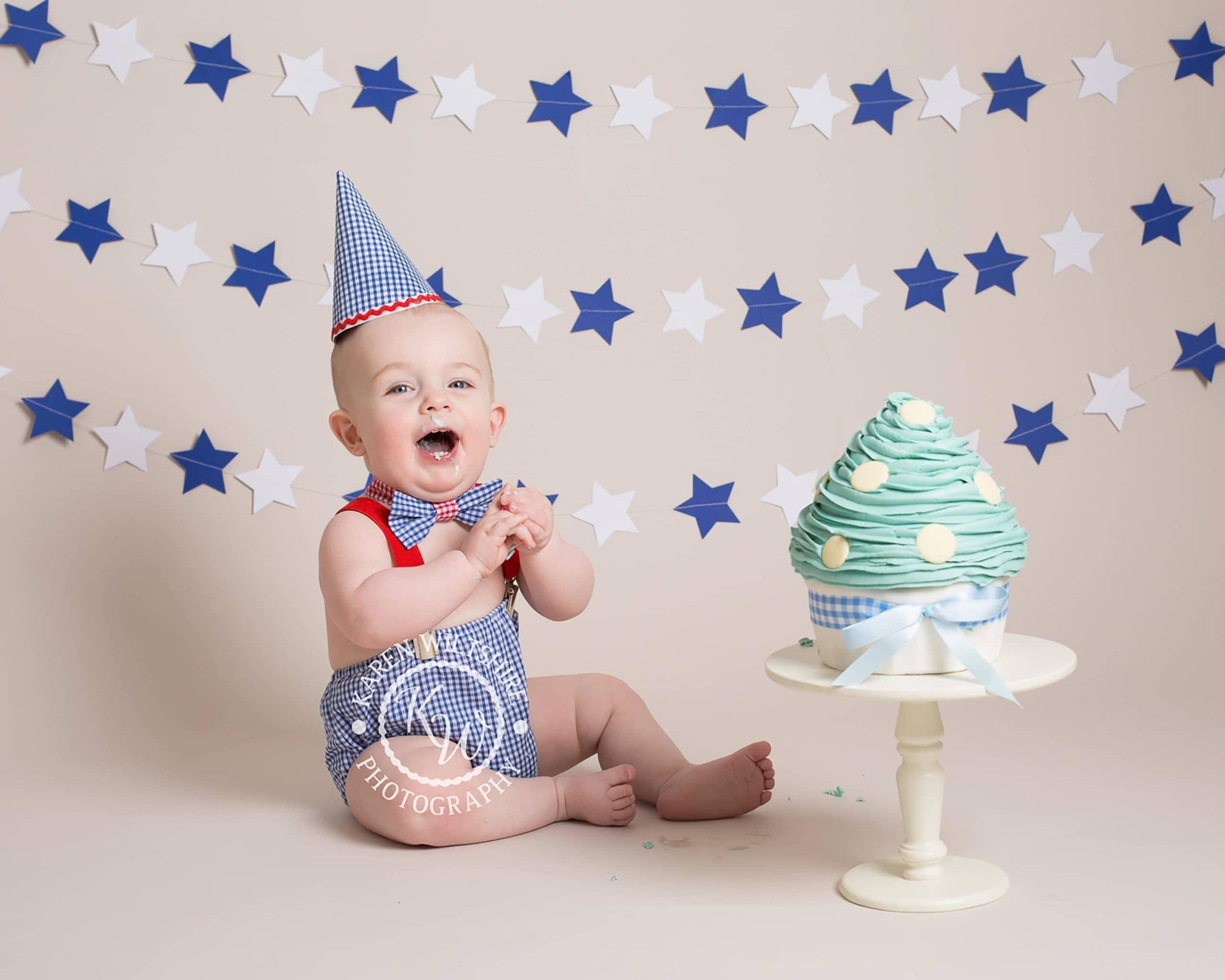 First birthday cake smash with blue stars