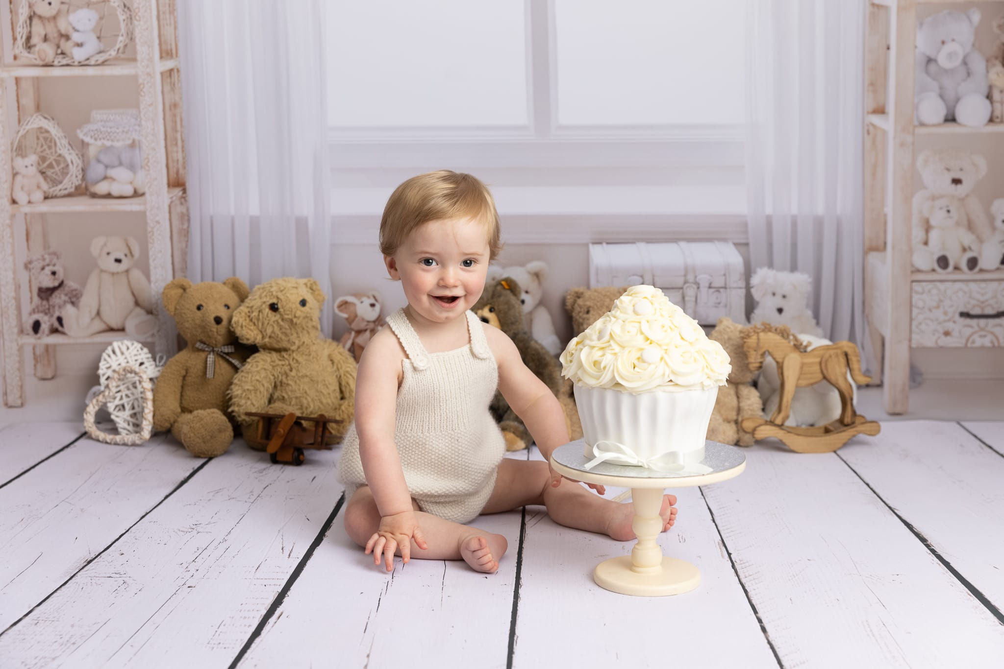 Baby cake smash photo